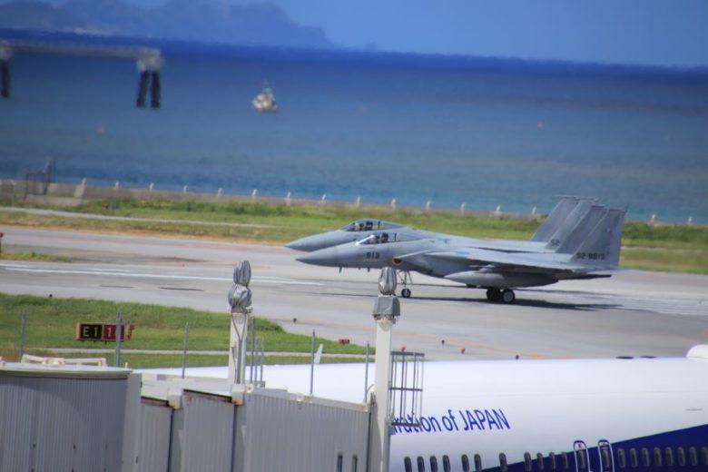 那覇空港で飛行機を見るな戦闘機