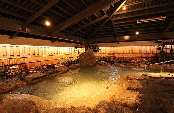 マハイナホテル岩風呂