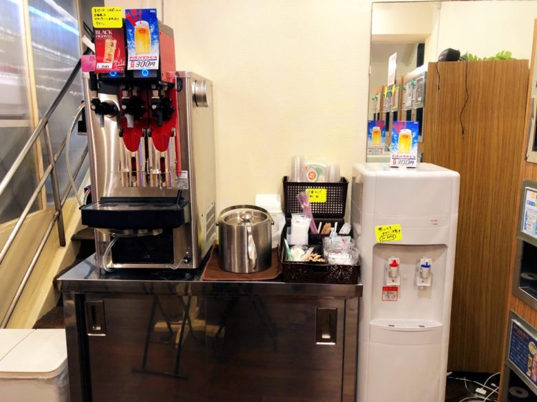牧志公設市場近くの泡盛自動販売機があるお店にはビールやハイボールも!