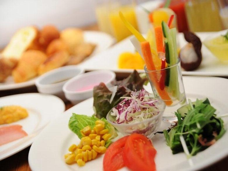 那覇でホテル朝食ならホテルロコアナハのバイキング