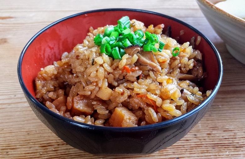 沖縄で冬至に食べる伝統料理「トゥンジージューシー」