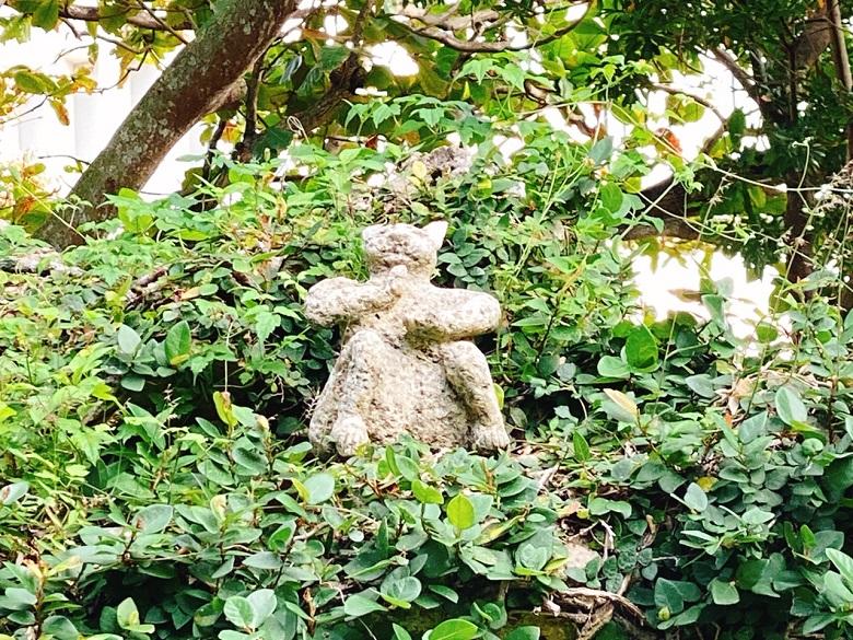 希望ヶ丘公園に鎮座する猫の神様