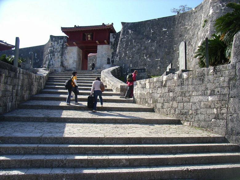 首里城の瑞泉門