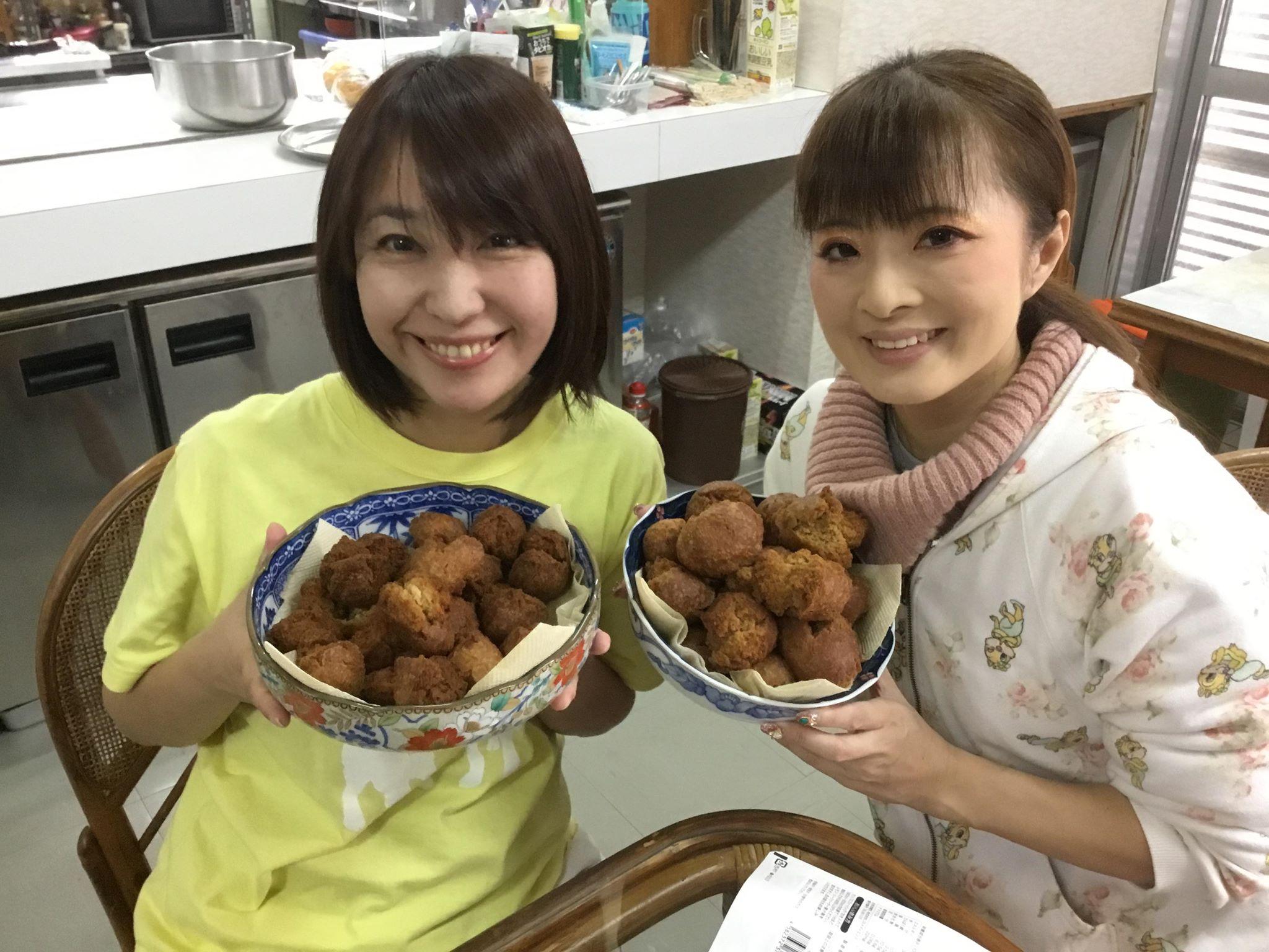 久米島で沖縄のサーターアンダギー作り体験