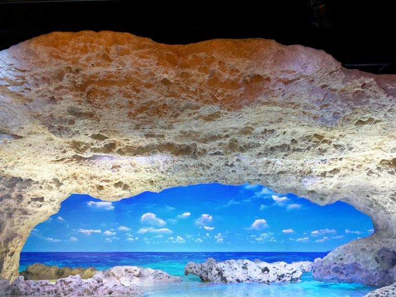 DMMかりゆし水族館のバーチャル水槽