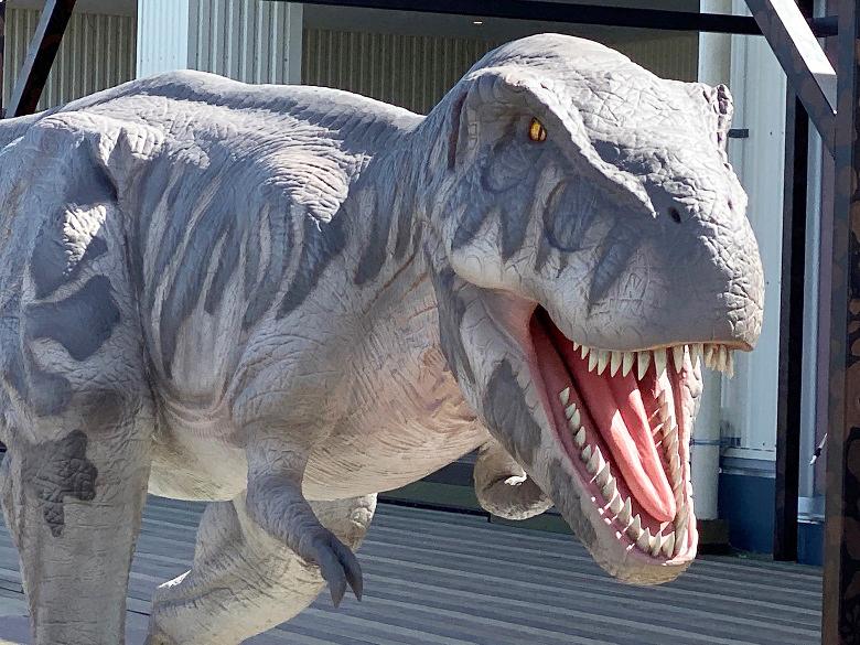 イーアス沖縄豊崎のテーマパーク恐竜