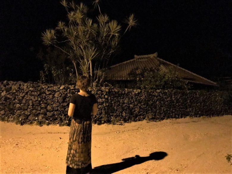 小さな離島竹富島の宿泊すると静かな夜