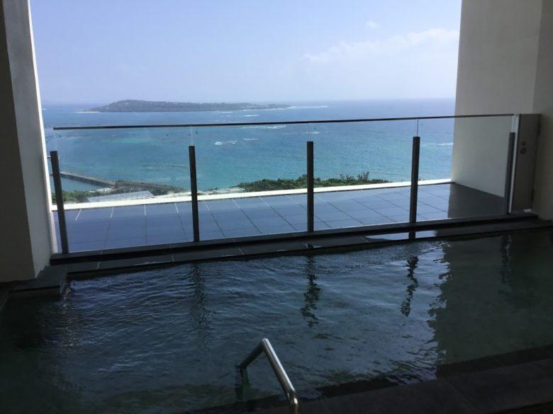 本部町アラマハイナコンドホテルの大浴場