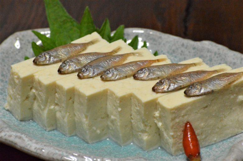 あちこーこーで販売される島豆腐
