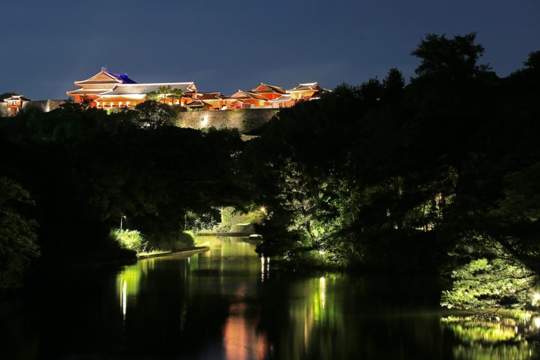 首里城のライトアップ