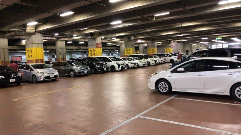 首里杜館駐車場