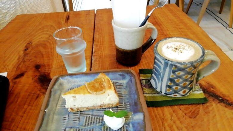 読谷村やちむんカフェのチーズケーキ